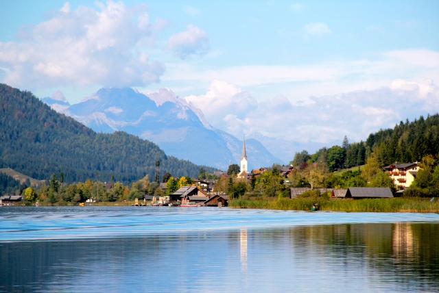 Der Naturpark Weissensee ist eine wunderschöne Landschaft, die von ihren Bewohnern liebevoll gepflegt und im Einklang mit der Natur bewohnt wird. Ein Paradies für Kinder ist auch das Familienhotel Kreuzwirt am Weissensee.
